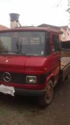 Caminhão 608 MB