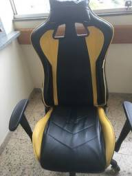 Cadeira gamer com encosto quebrado