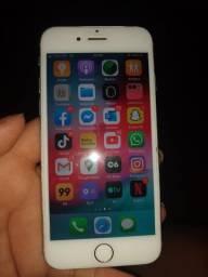 Vende - se um IPhone 6