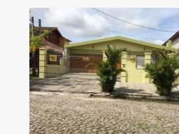 Casa próximo a Av Dom Joaquim!