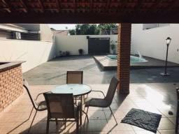 Casa muito bem conservada a venda no bairro Vila Soto