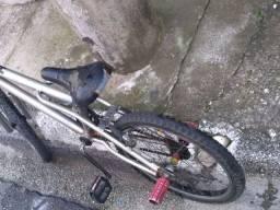 Bike boa porém usada