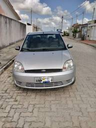 Vende-se carro Ford Fiesta 2006