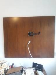 Painel de madeira para televisão