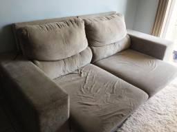 Sofá duplo reclinável de dois lugares.