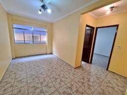 O condomínio mais baixo do Guarujá! 01 dormitório, elevador, 01 vaga, próx Pão de Açúcar