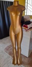 Título do anúncio: Manequim feminino dourado