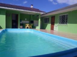 casa com piscina e Guaratuba