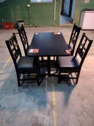Título do anúncio: Jogo de mesa com 4 cadeiras 1.20x0.70 (aceito cartão)