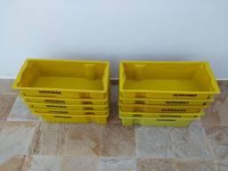 Caixas Plásticas de Leite / Semi Novas.