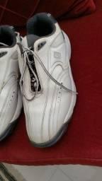 Sapatos de golfe usados Footjoy e Adidas tamanho 39/40 41/42