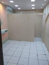 Alugam-se salas comerciais no centro de São Vicente