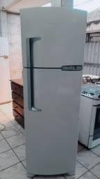 Título do anúncio: Vendo essa geladeira Brastemp frost free dúplex top?
