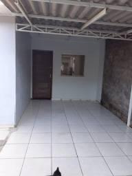 Casa 2 quartos disponível em Cascavel - R$ 800,00 (incluso iptu, cond))