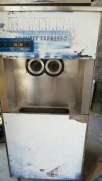 Maquina de sorvete italianinha aceito troca