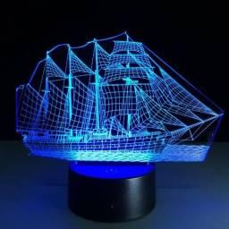 Luminária Barco à Velas LED 3D Acrílico 7 Cores Mutável
