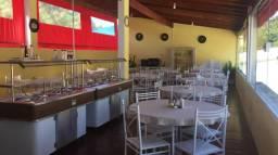 Restaurante e Estacionamento