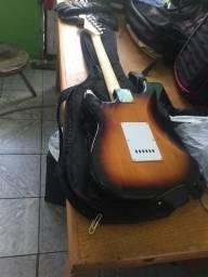 Guitarra SX Standard Series Custom Handmade e Caixa amplificada da VoXStorm