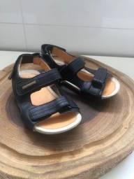 Sandália infantil TipToyeJoey