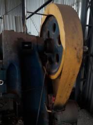 Prensa excêntrica de 14 toneladas