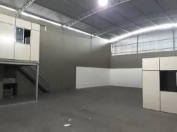 Galpão com 260m², em Novo Horizonte - Serra