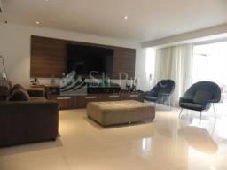 Ótimo Apartamento com 335m²