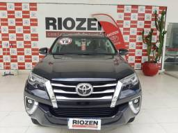 TOYOTA HILUX SW4 2.8 SRX 4X4 7 LUGARES 16V TURBO INTERCOOLER DIESEL 4P AUTOMATICO.