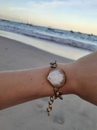 Pulseira com concha do mar