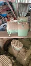 Compressores semi herméticos .
