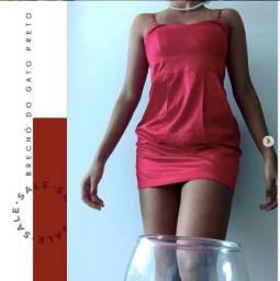 Vestido acetinado vermelho