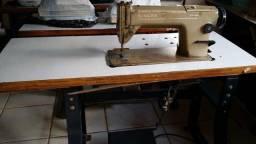 Máquina costura Reta Singer
