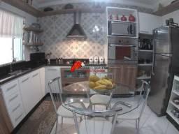 Casa com ótima localização no bairro Cidade Nova