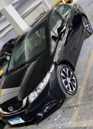 Civic 2016, versão Top de linha, relíquia, R$ 61.500,00