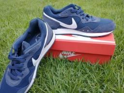 Tênis Nike Venture Runner - masculino
