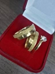 Par aliança banhada folheada ouro 18k lisa com jateada