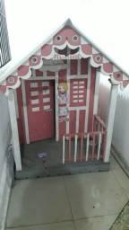Casinha infantil de madeira