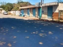 Casa 467 m2 Vila santa Helena 2 quartos, 1 banheiro e quintal muito grande.