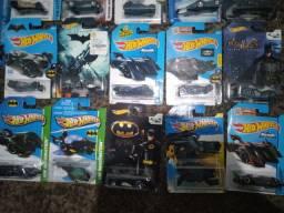 Carrinhos hot Wheels Batmóvel 27 unidades novos lacrados