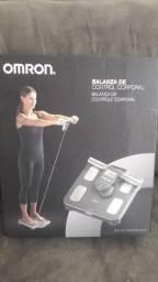 Balança de Bioimpedância Omron HBF-514C Digital.
