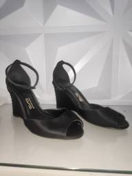 Sandália Santa Lola tamanho 36