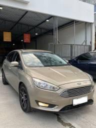 Título do anúncio: Ford Focus Titanium 2017  * Meira Lins Pina *