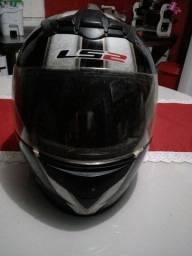 Título do anúncio: Vende-se capacete sem novo LS2