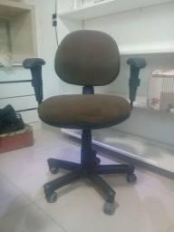vendo cadeira de escritórios por 120 reais entrego