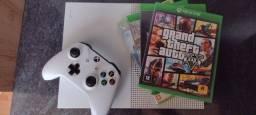 Xbox one s 1tb 4 jogos usado mas bem cuidado