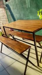 Mesa com bancos Bistrô, estilo industrial