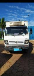 Título do anúncio: Caminhão VW 8-150 Baú Refrigerado 2010
