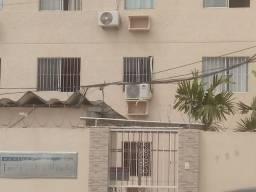 Alugo excelente apartamento na Av.napolis