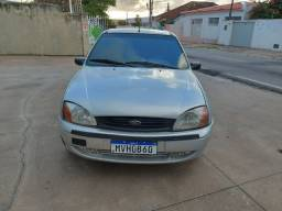 Vendo Fiesta class 8.000 com o SOM
