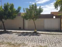 Aluga-se Excelente Casa Ampla com 4/4, Nova Betânia, Mossoró-RN