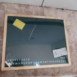 Lousa de giz mede 40x50
